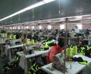 Hoạt động gia công trong thương mại được quy định như thế nào?